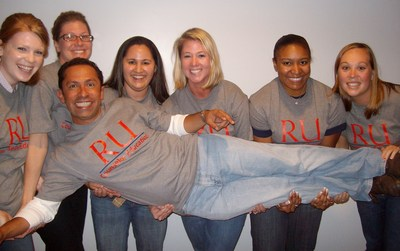 6 Broads And 1 Dude. Doing The Counseling Thing. T-Shirt Photo