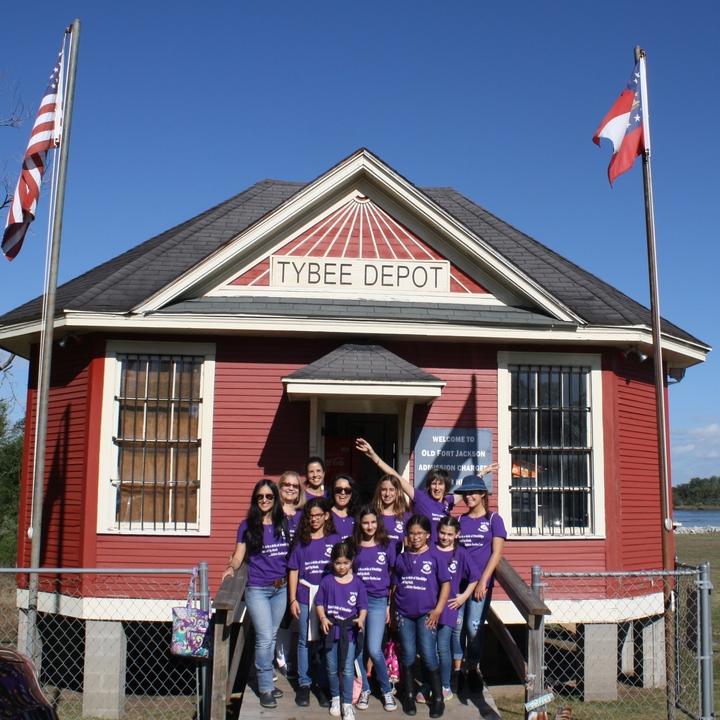 Girl Scout Troop 552 Visits Savannah! T-Shirt Photo