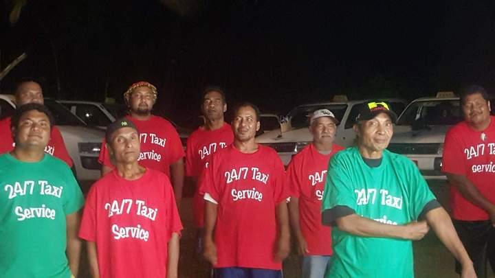 24/7 Taxi  T-Shirt Photo