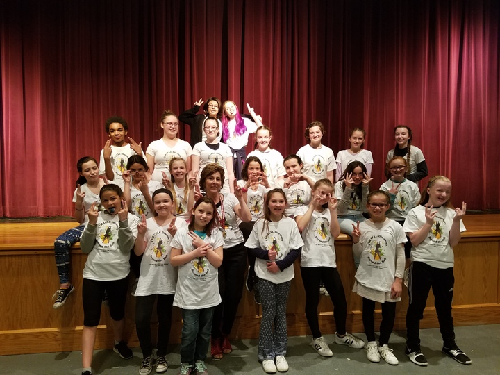 Discovery Girls Rock The Arts! T-Shirt Photo