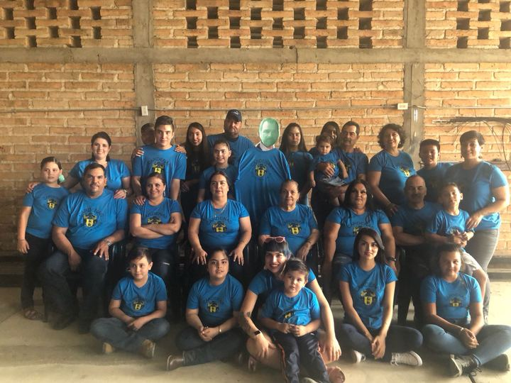 Family Reunion 2018 Mexico T-Shirt Photo