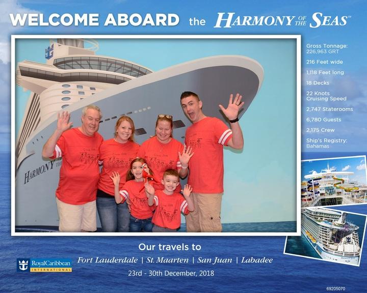 Family Cruise 2018 T-Shirt Photo