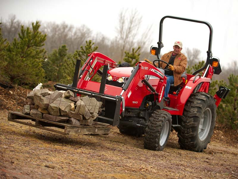 Massey Ferguson Showroom | walldroffequip.com