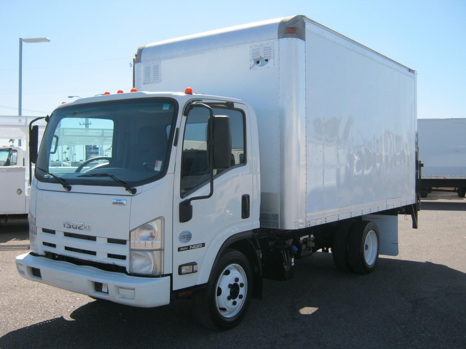 Arizona Commercial Truck Sales LLC: Truck Sales, Truck