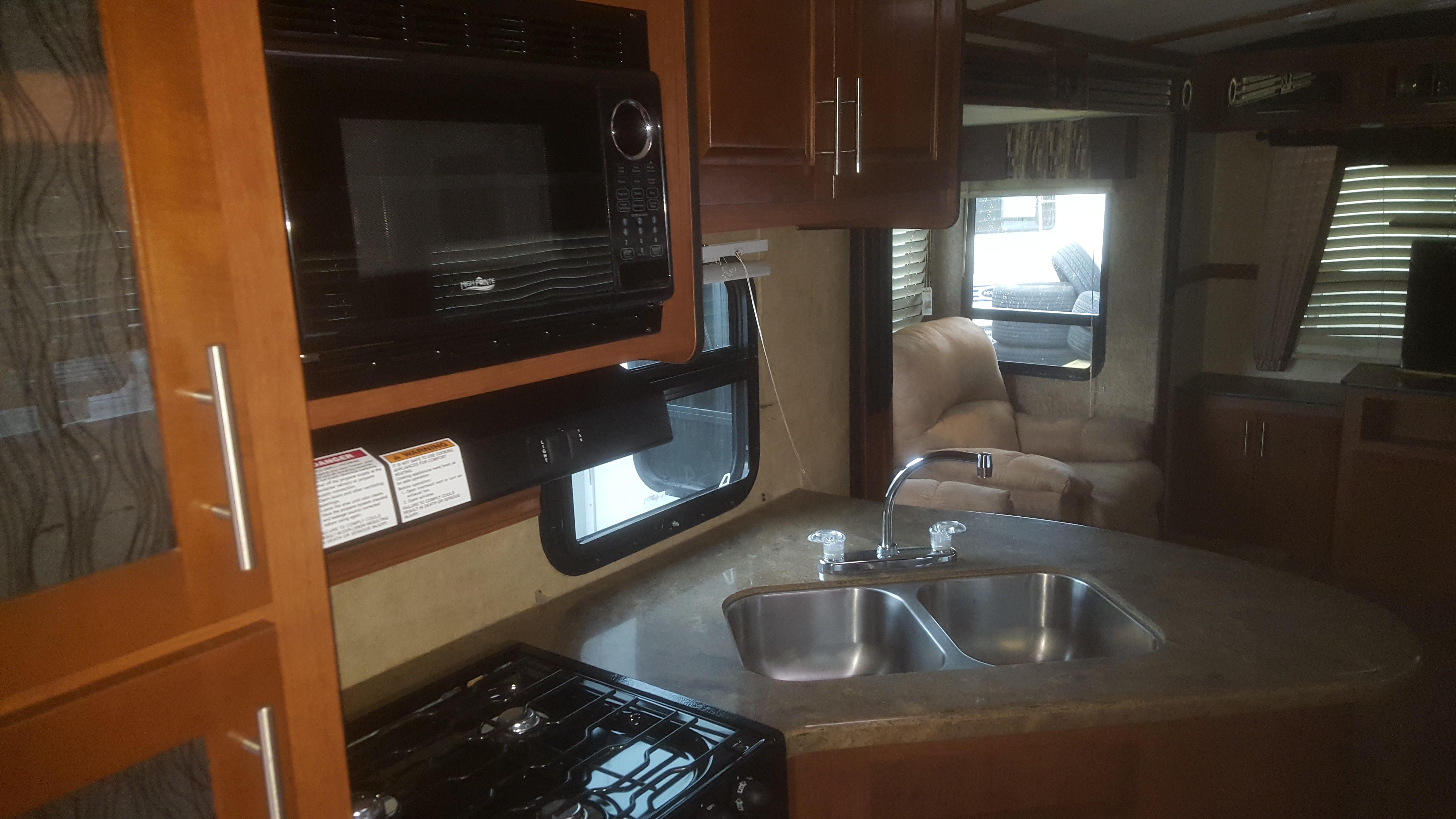 Used 2012 Dutchmen Komfort 2955re In Sacramento Ca