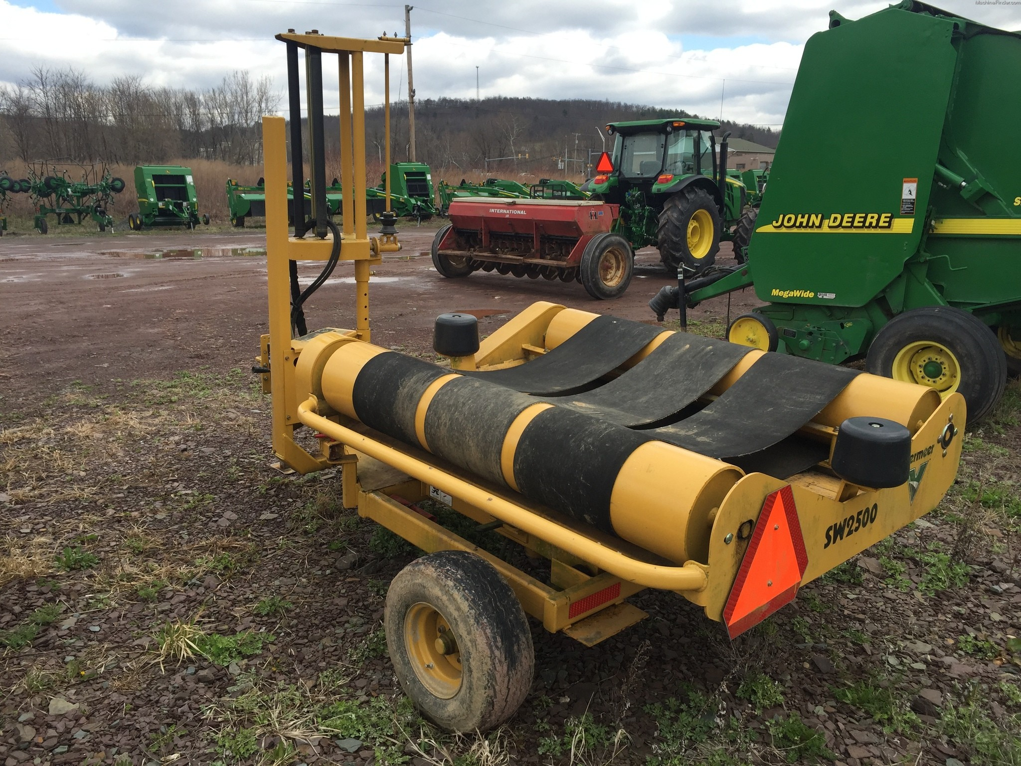 Used Vermeer SW2500 Bale Wrapper in Tunkhannock, PA