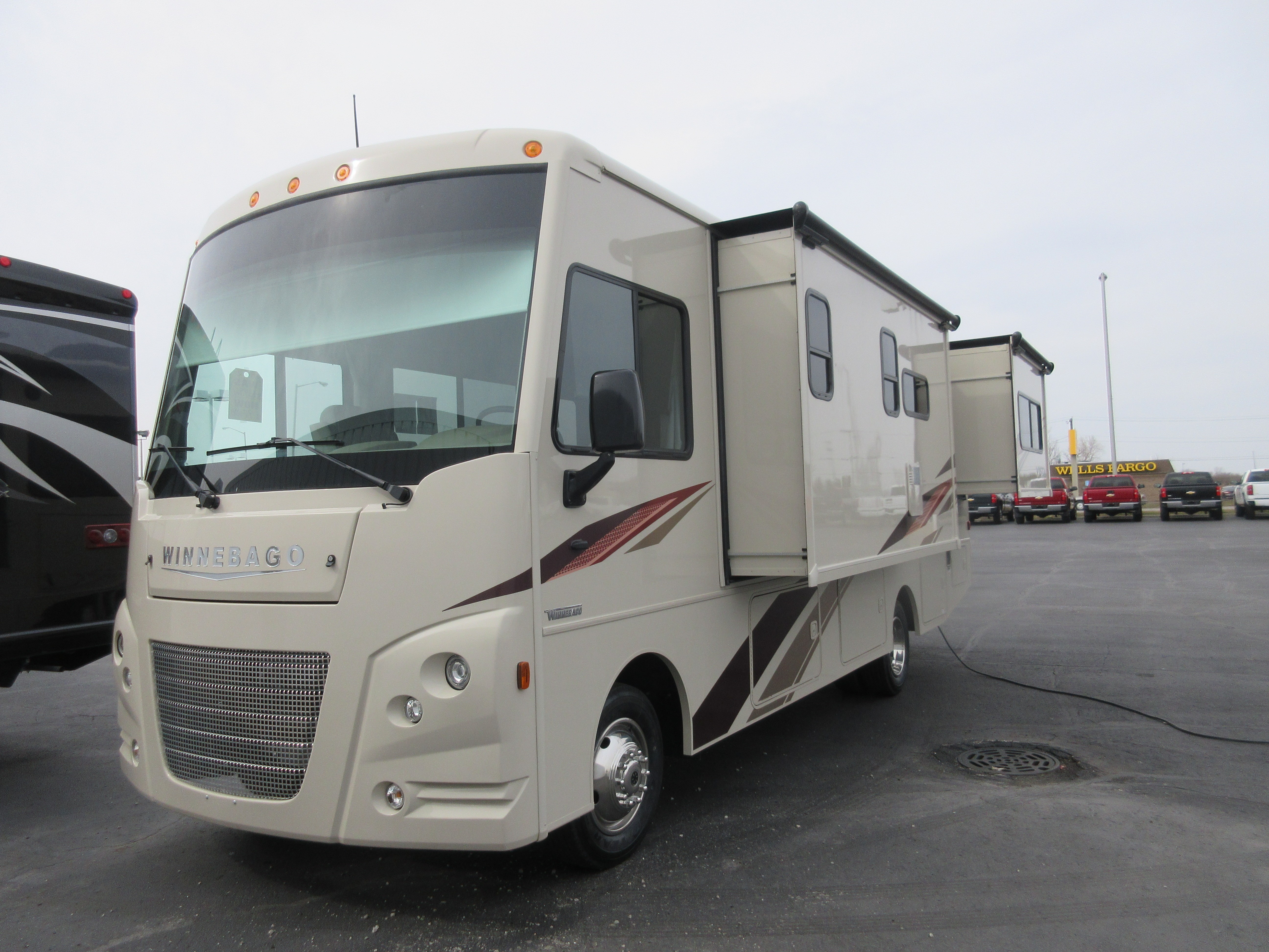 New 2019 Winnebago VISTA 27PE in Auburn, IN