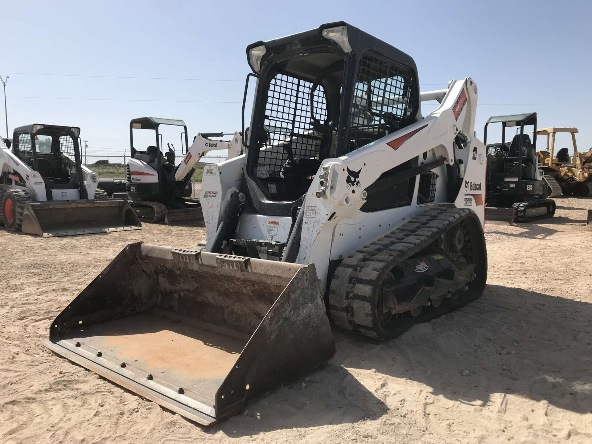 Used 2017 Bobcat T595 in Midland, TX