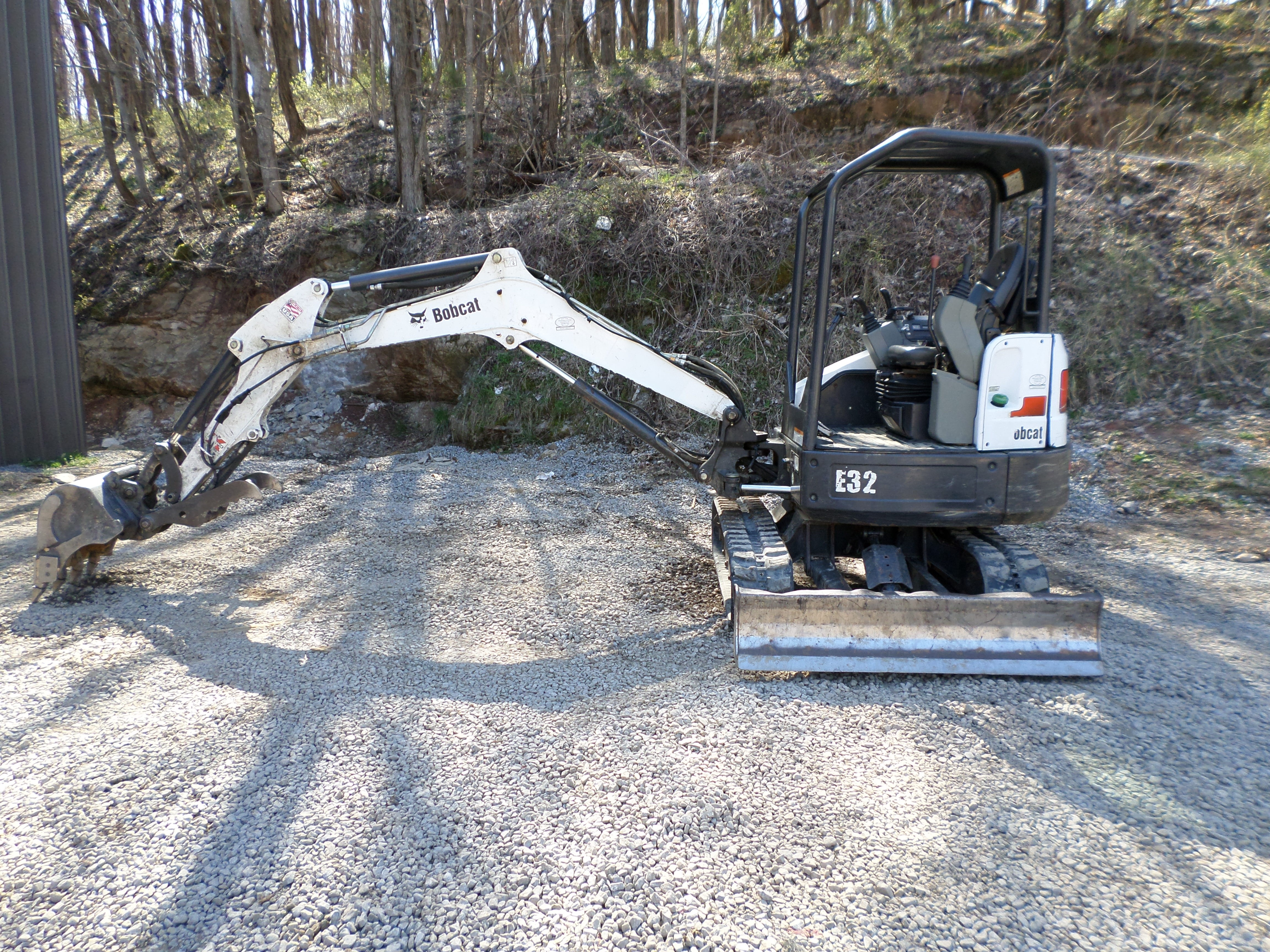 Rent this 2015 Bobcat E32 T4 in North Tazewell, VA