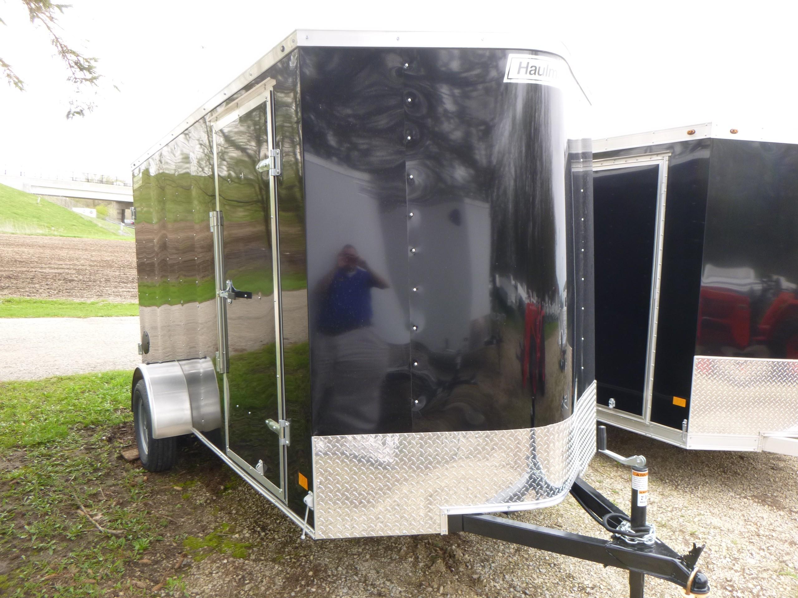 Bob Clapper Truck & Trailer Janesville Wisconsin sells Isuzu