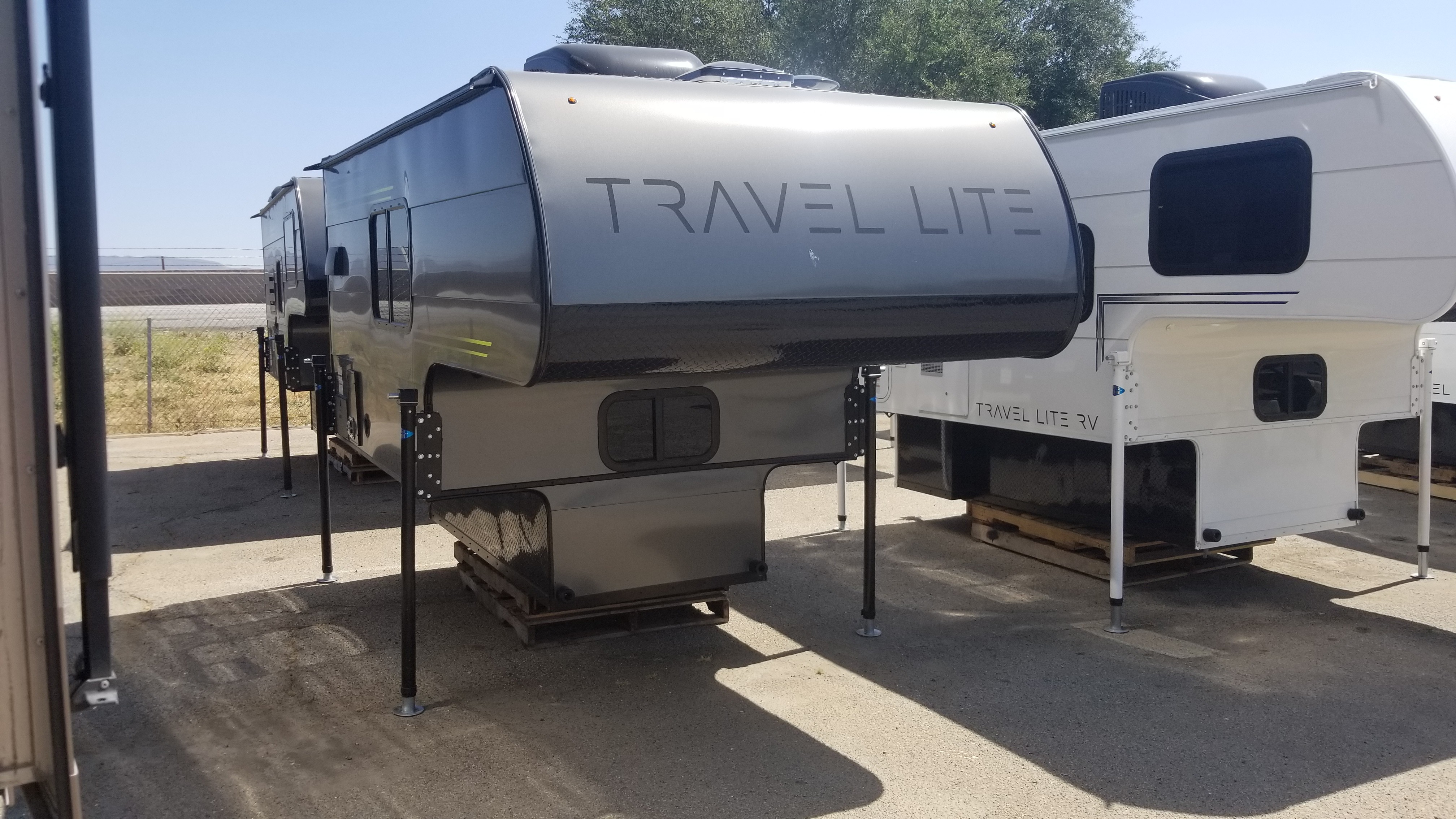 New 2019 Travel Lite 690FD - 1110 lbs dry in Beaumont, CA