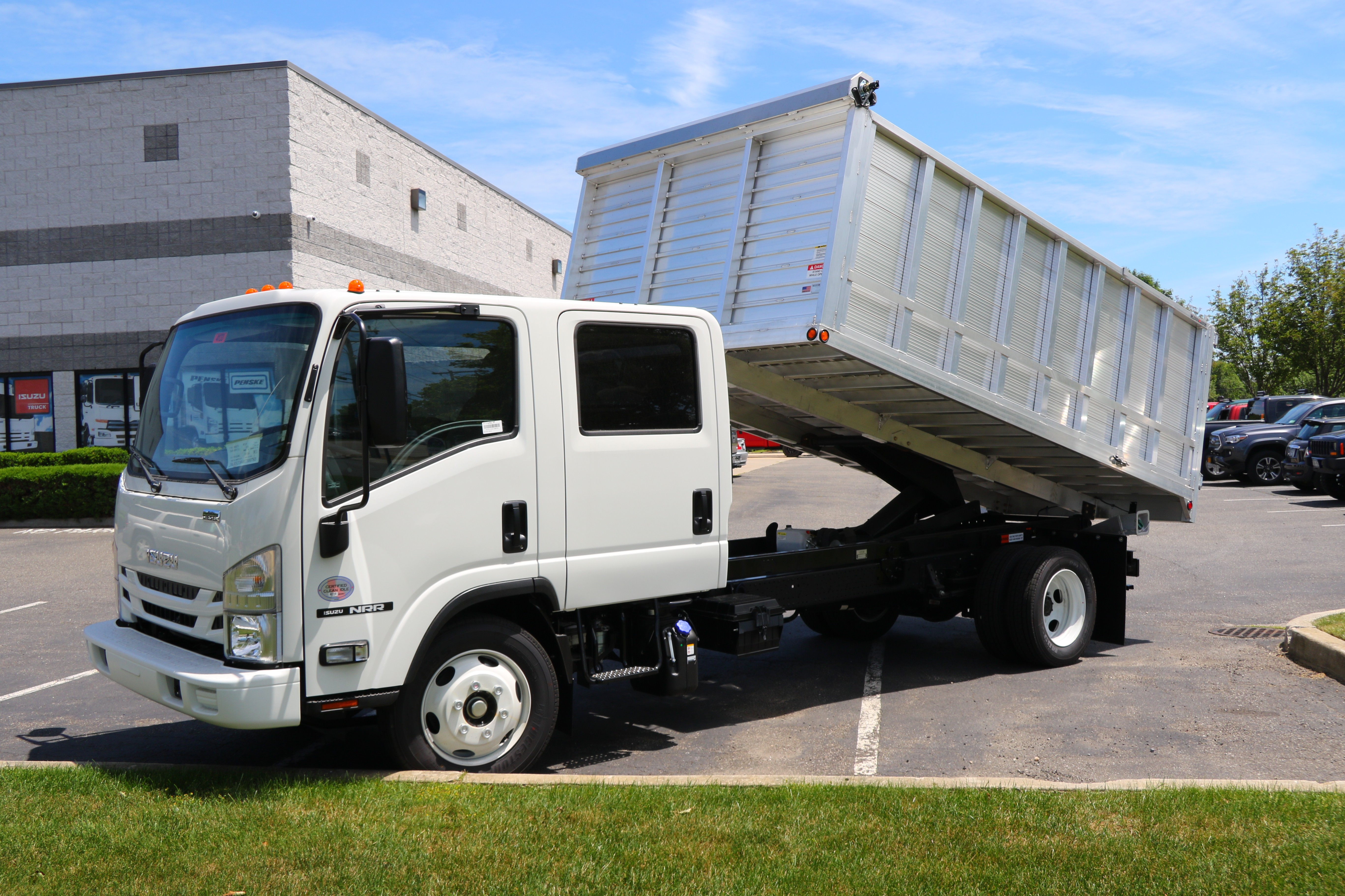 Cabover Trucks For Sale >> New Used Isuzu Fuso Ud Truck Sales Cabover Commercial Truck