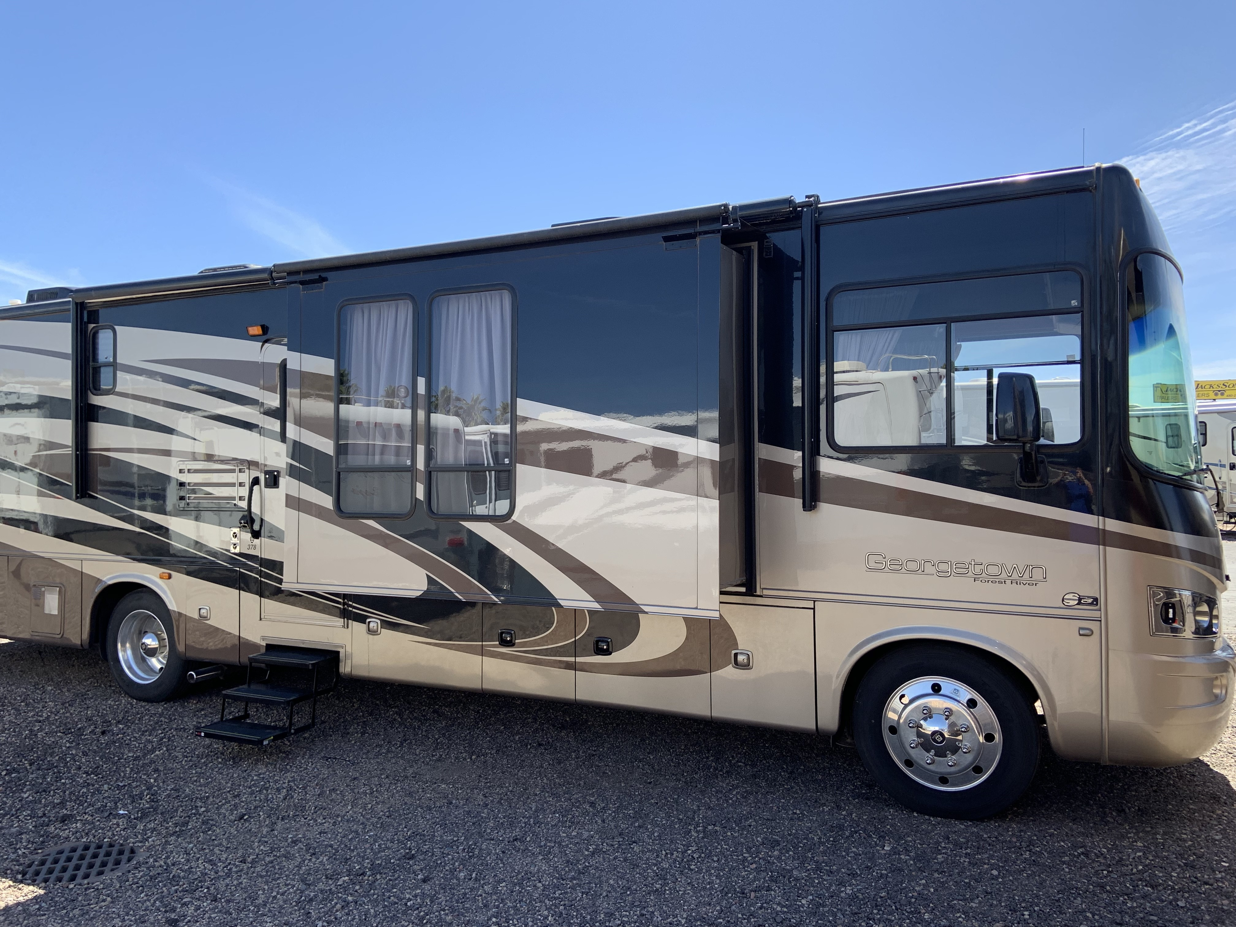 Used, 2011, Forest River, Georgetown 378TS, RV - Class A