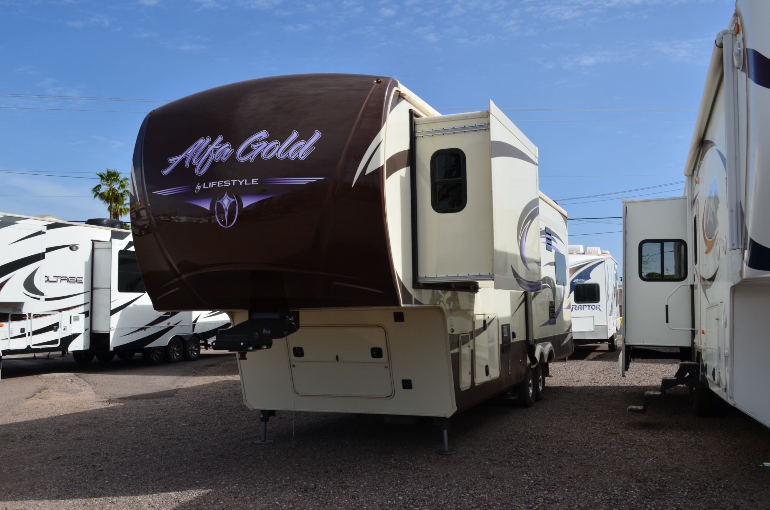 Used, 2014, Lifestyle Luxury RV, 3010RE, Fifth Wheels