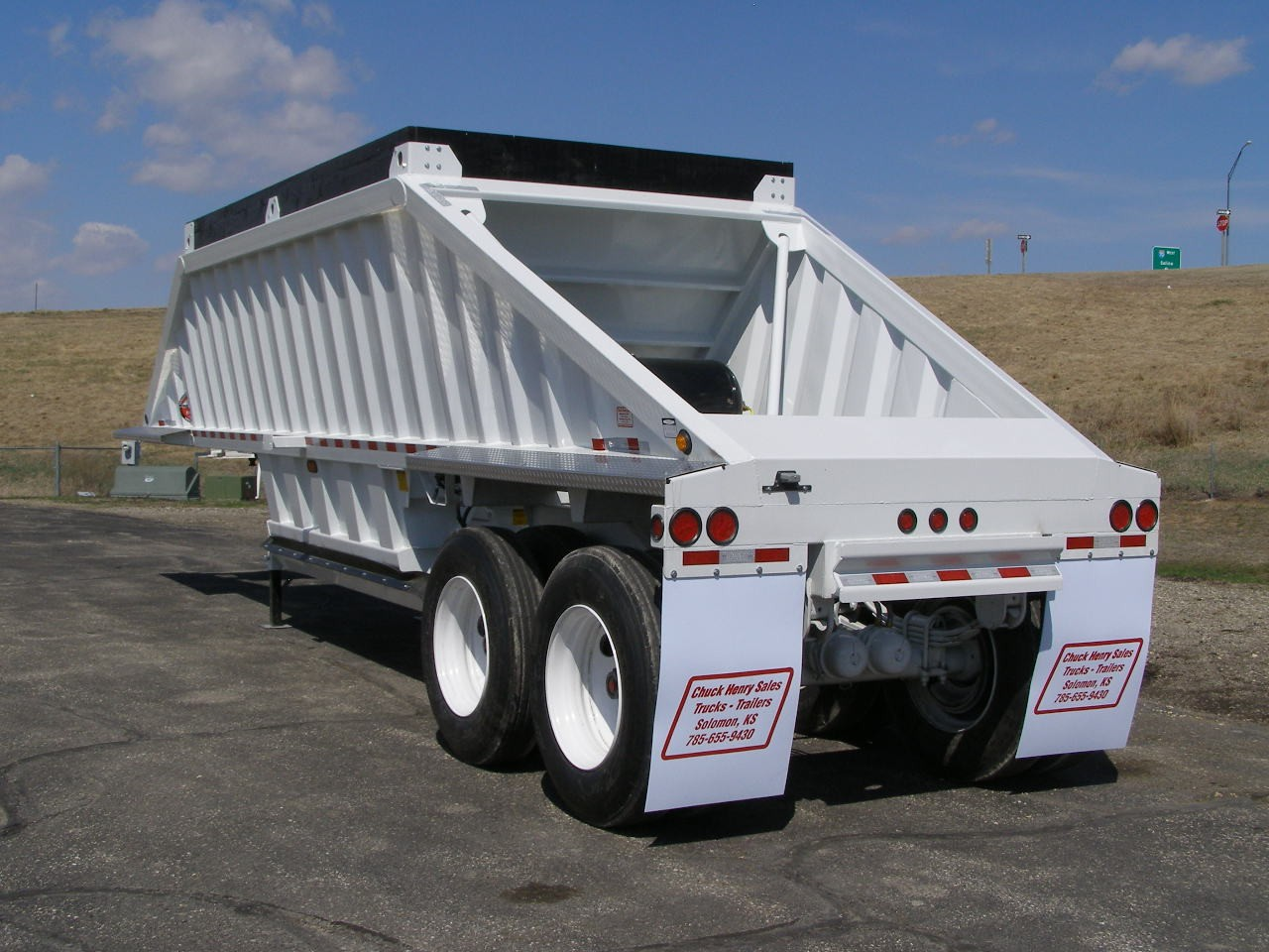 Trailers, Trucks & Container Sales | Solomon & Kansas City
