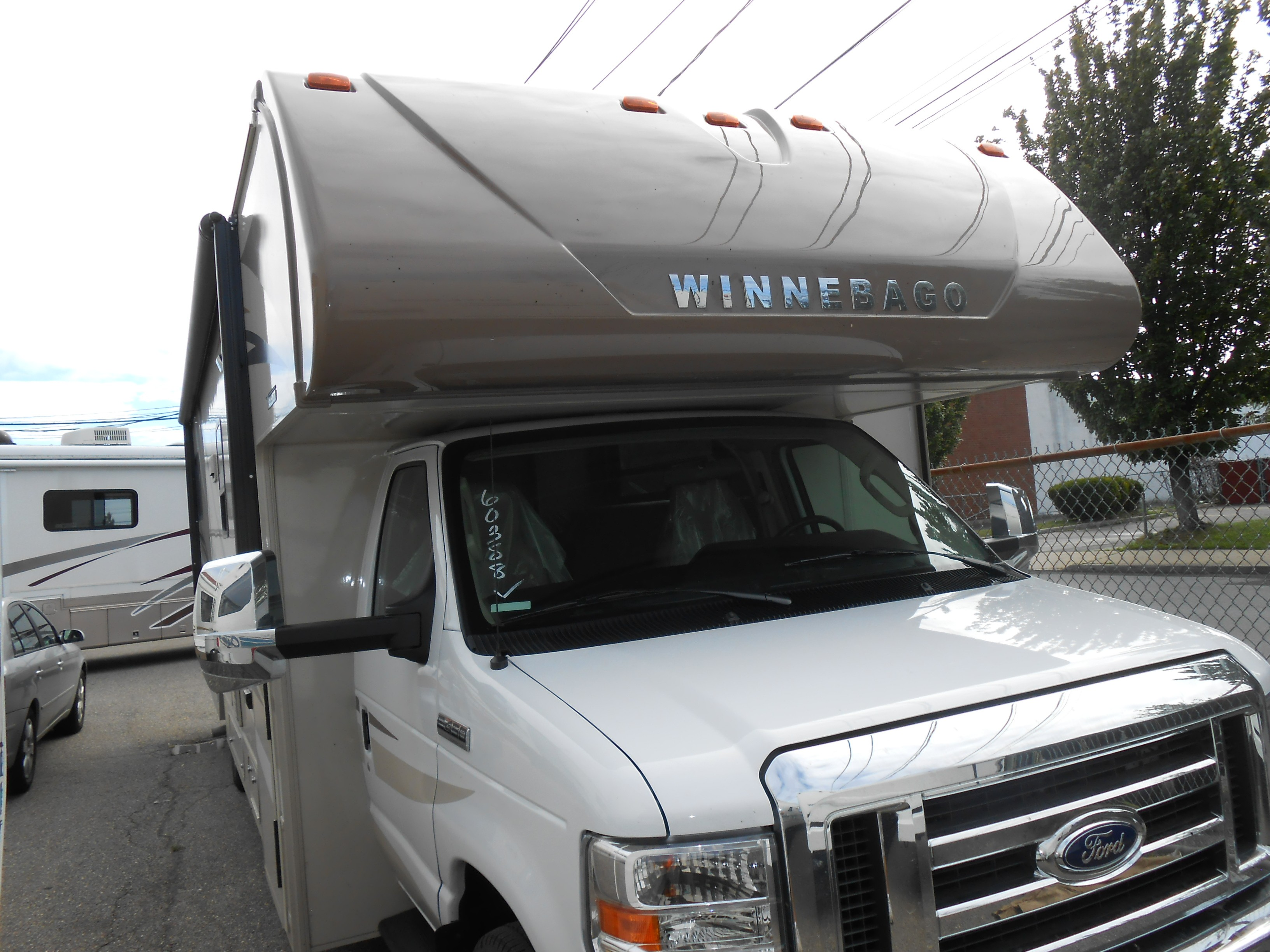 New 2019 Winnebago MINNIE WINNIE 31K in Farmingdale, NY