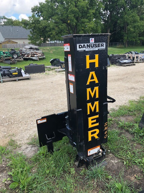 Rent this 2019 sm 40 post driver in Dekalb, IL