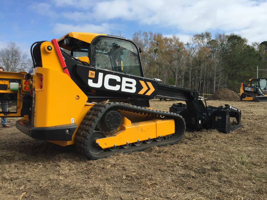 New 2017 JCB 3TS-8T in Kansas city, KS