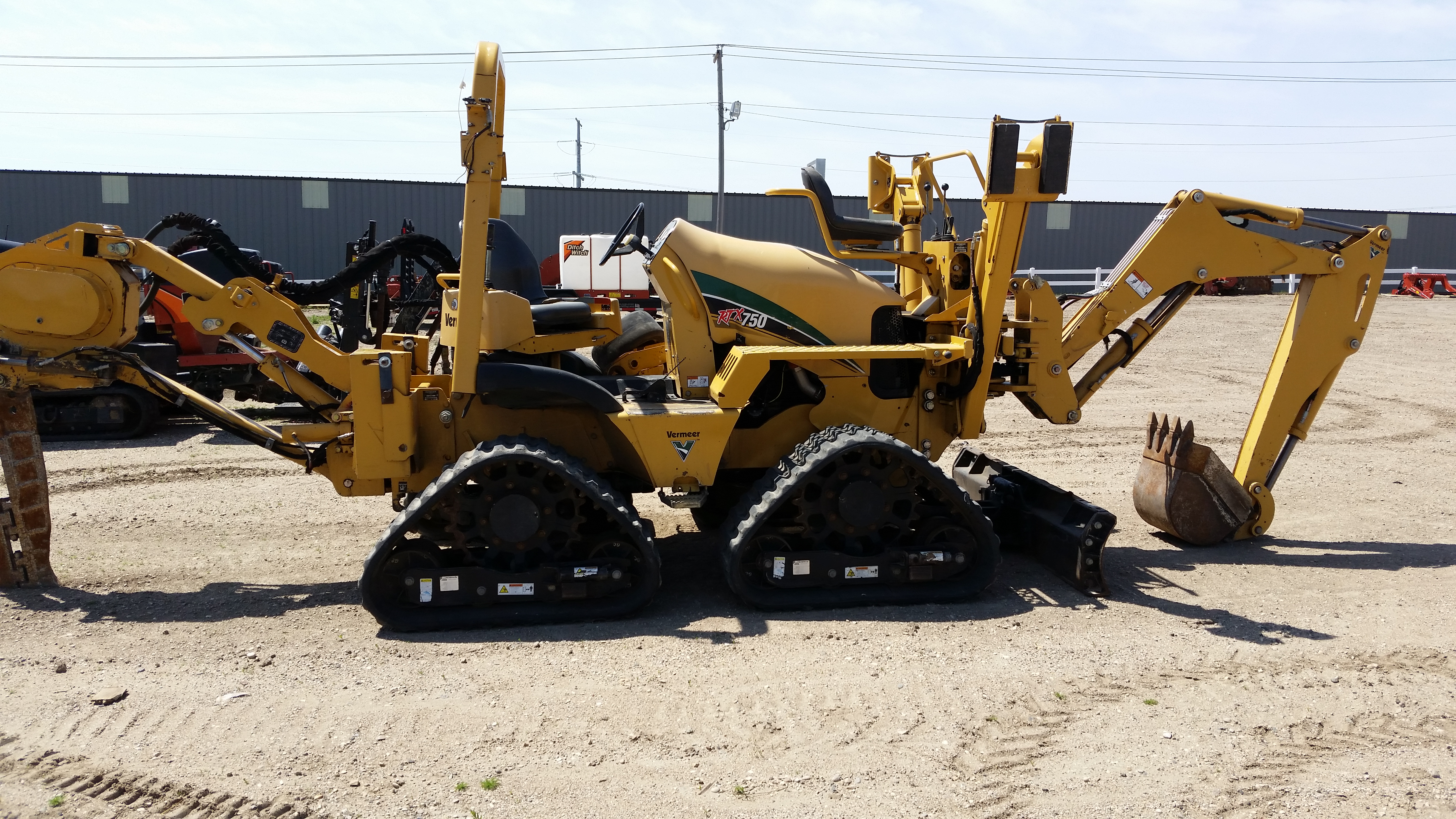 Used 2011 Vermeer RTX750 Ride-On Tractor in Shakopee, MN
