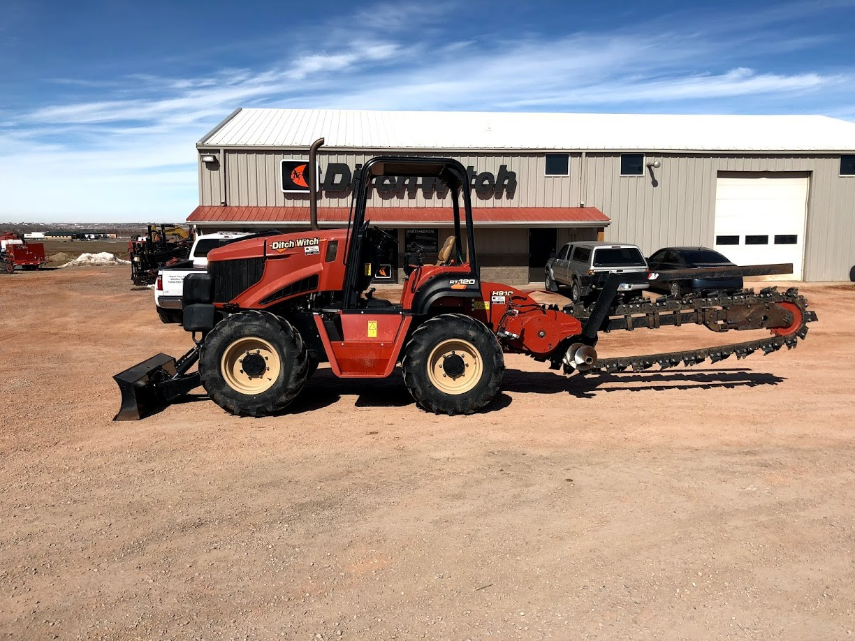 Used, 2015, Ditch Witch, RT120, Trenchers