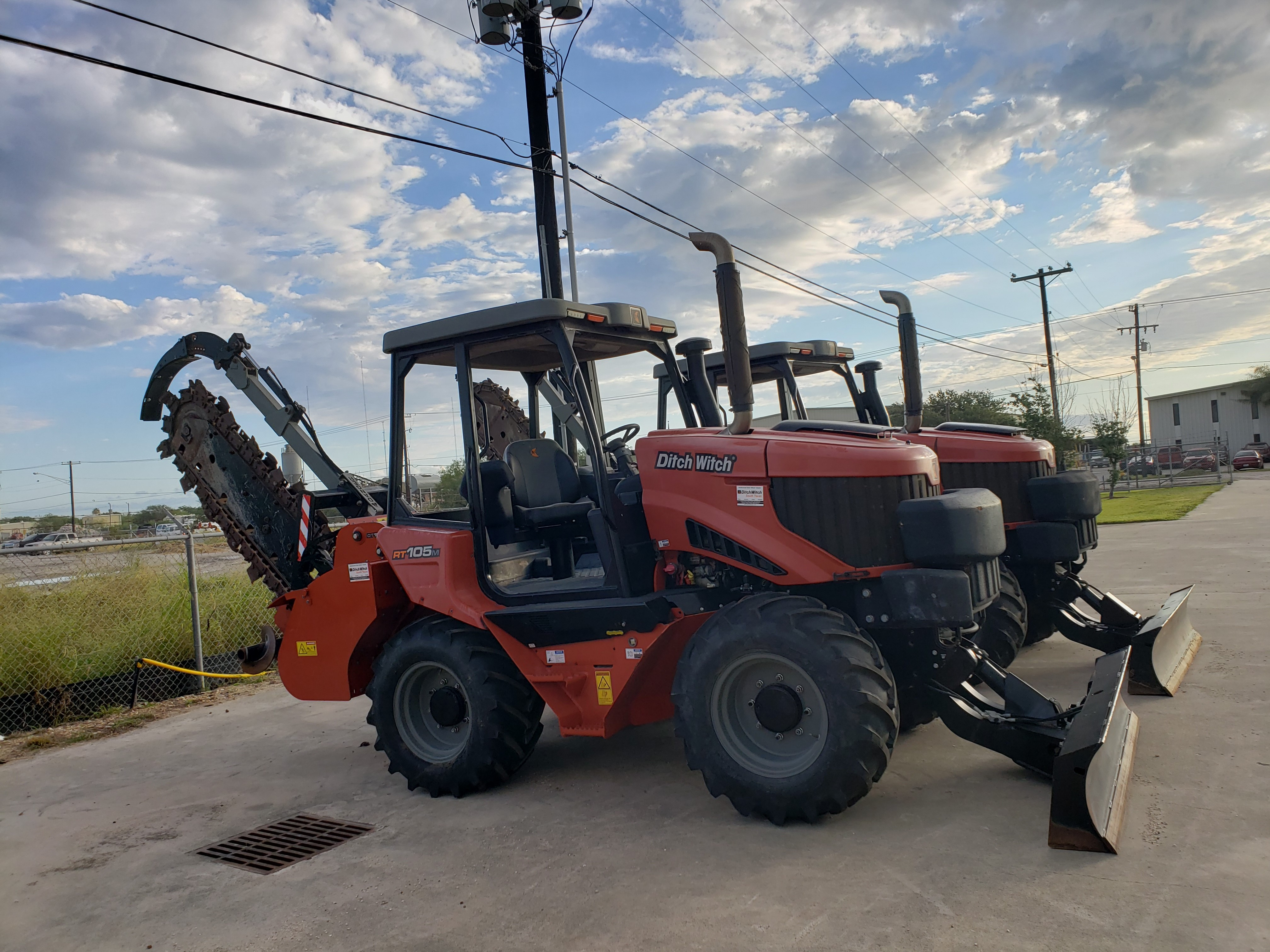 Used, 2017, Ditch Witch, RT105, Trenchers