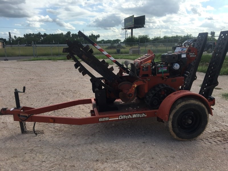 Used, 2014, Ditch Witch, RT12, Trenchers