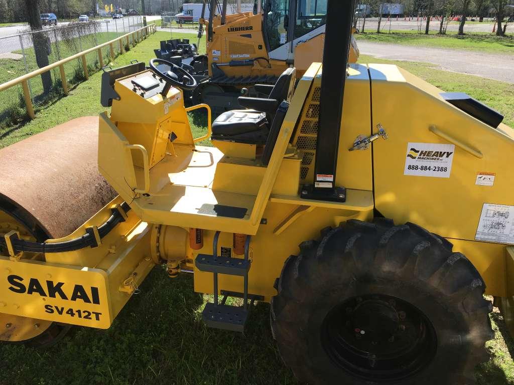 Used, 2014, Sakai, SV412T, Compactors