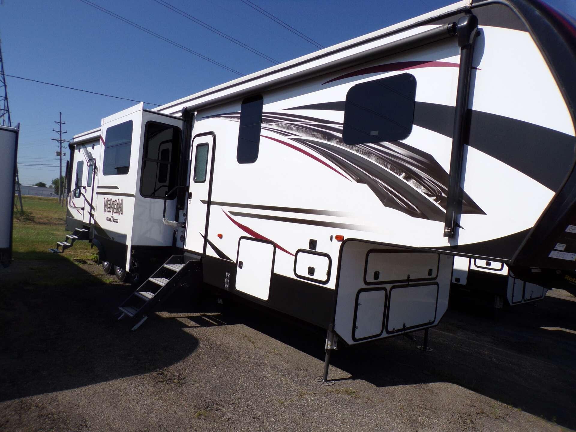 New 2019 KZ RV VENOM 4012TK in Rock Falls, IL
