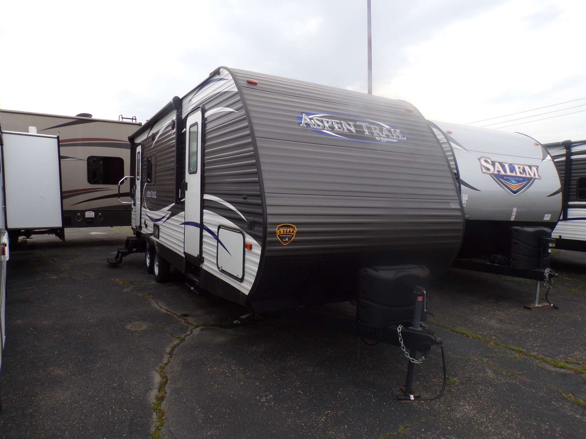 RV Dealer in IL - 5th Wheels, Campers, & Travel Trailers