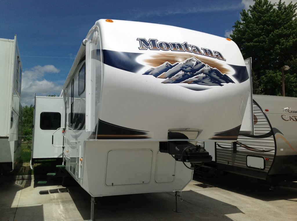 Used 2011 Keystone 3455SA Montana in Warren, MI