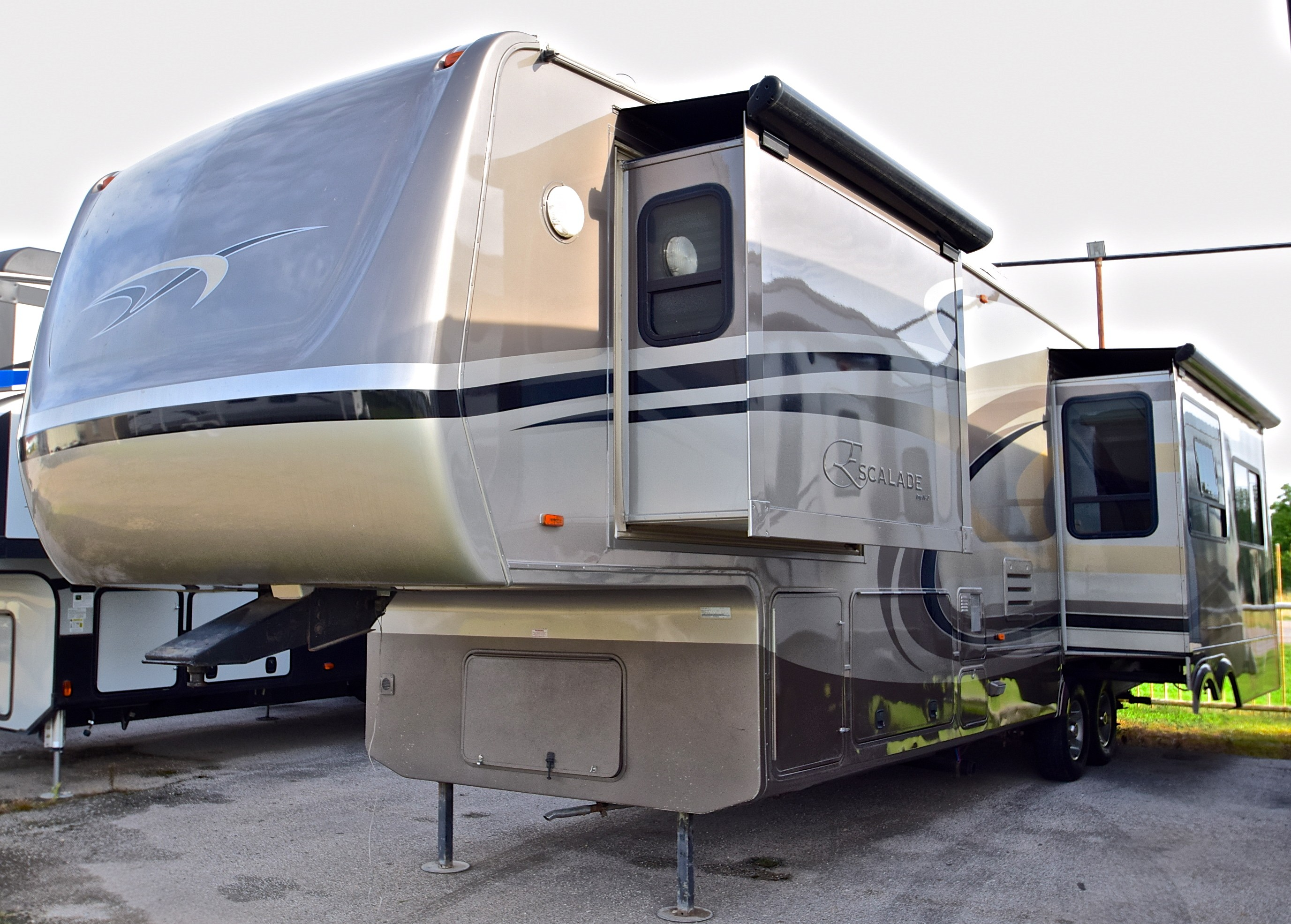 Used 2008 KZ RV Escalade 37REB in Quinlan, TX