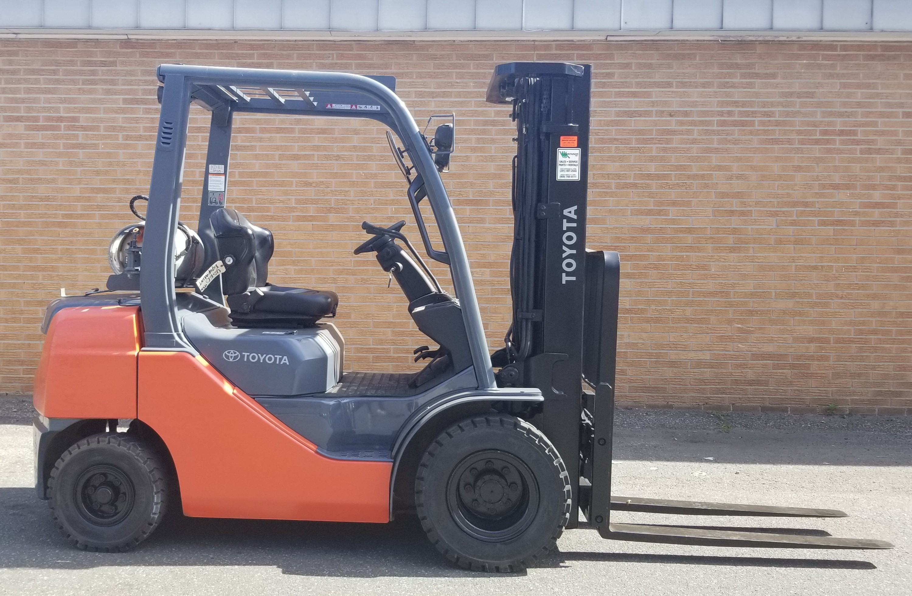 Used 2014 Toyota Industrial Equipment 8FGCU25 in South