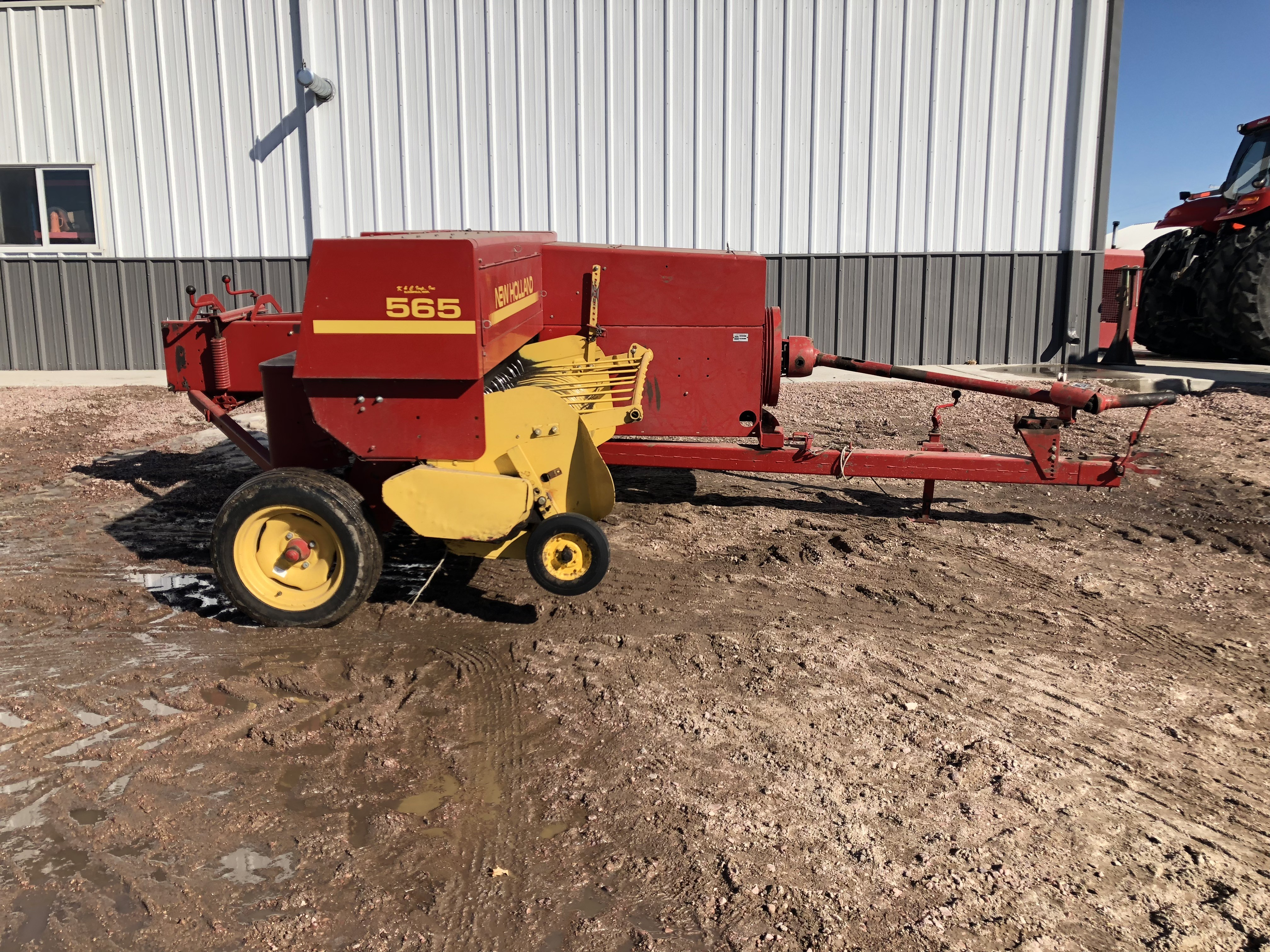 1996 New Holland Agriculture 565