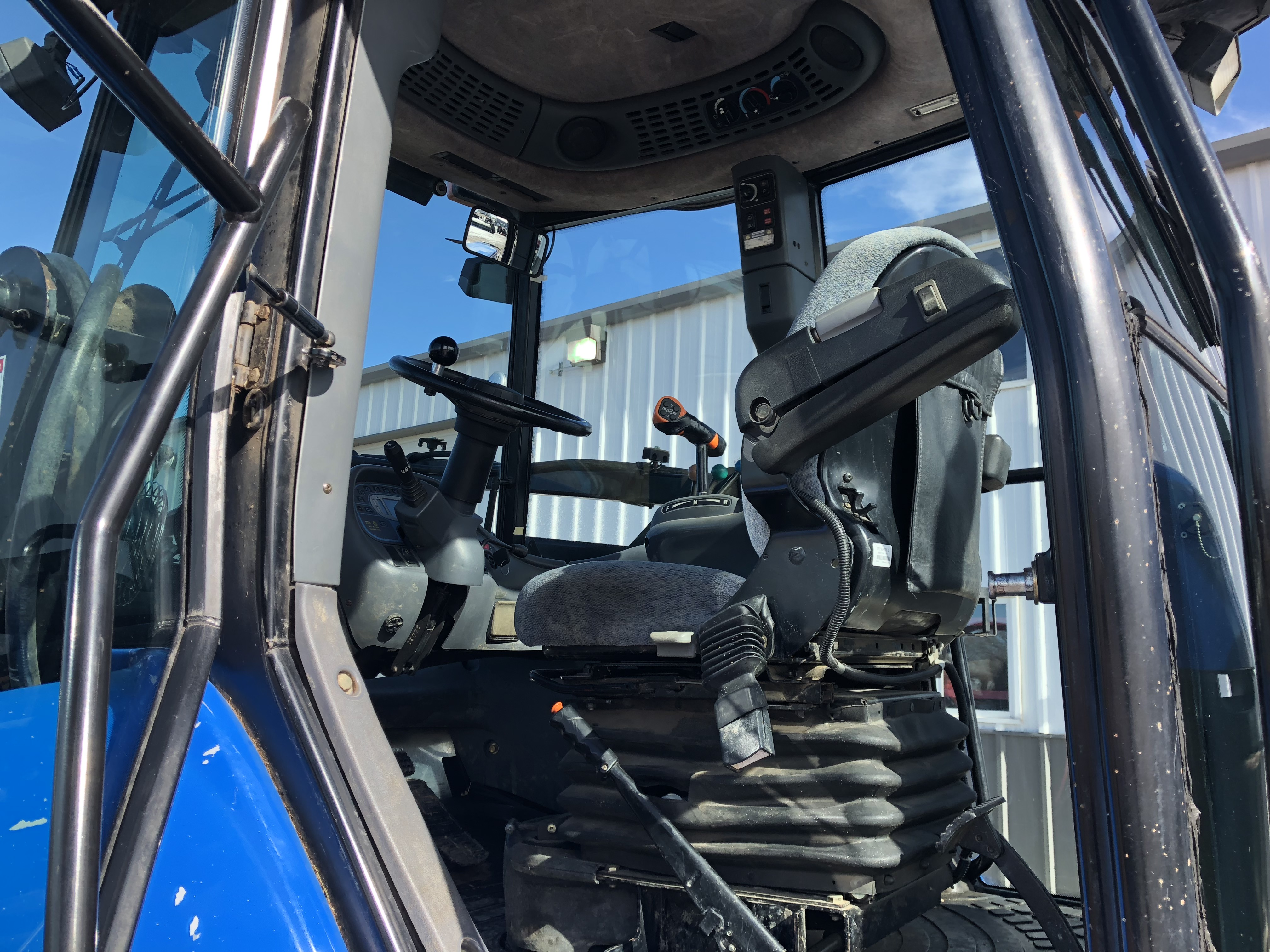 2004 New Holland Agriculture TV145