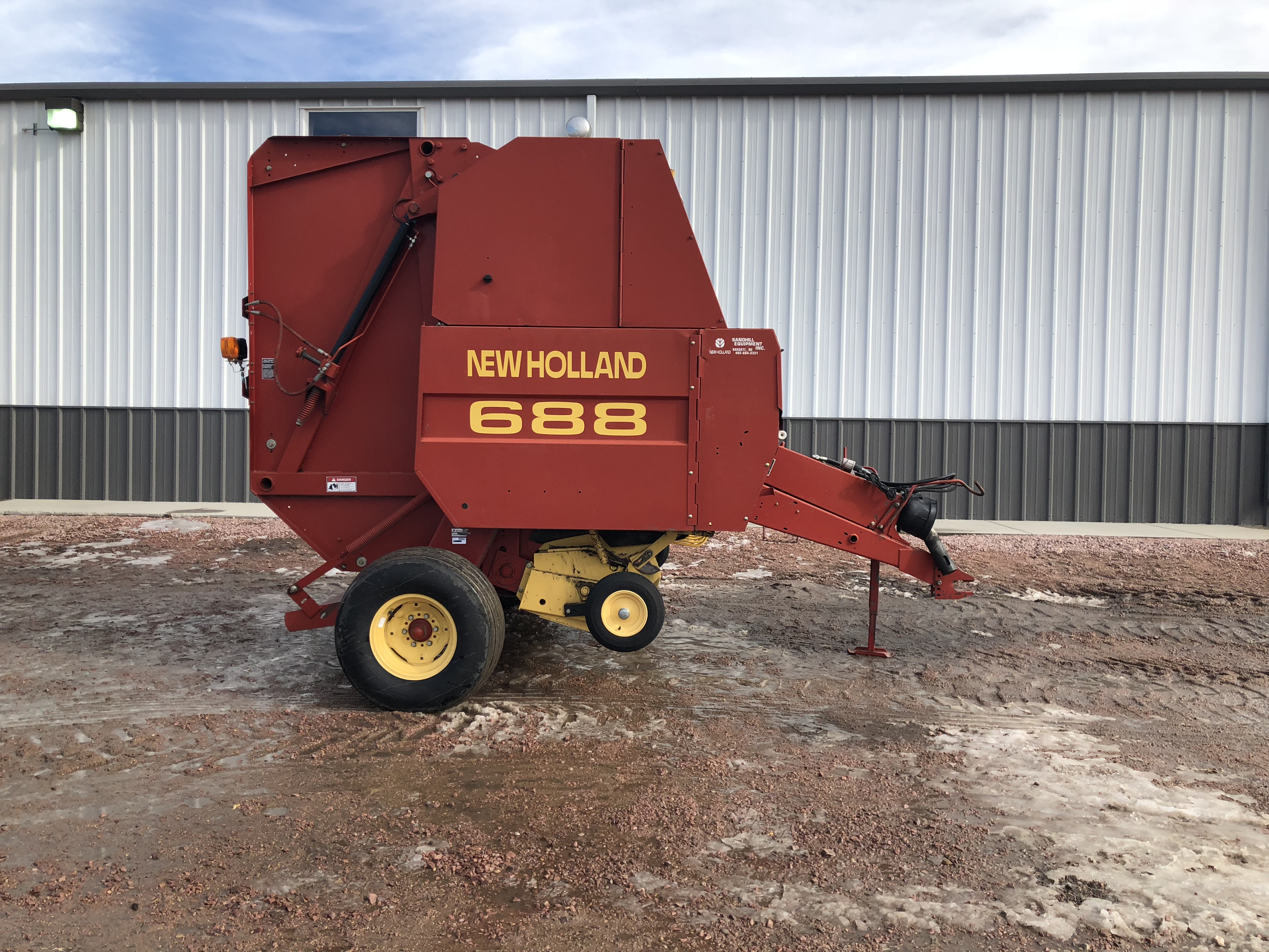 1999 New Holland Agriculture 688