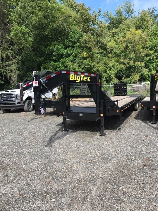 2017 Big Tex Trailers 22GN 28 5MR
