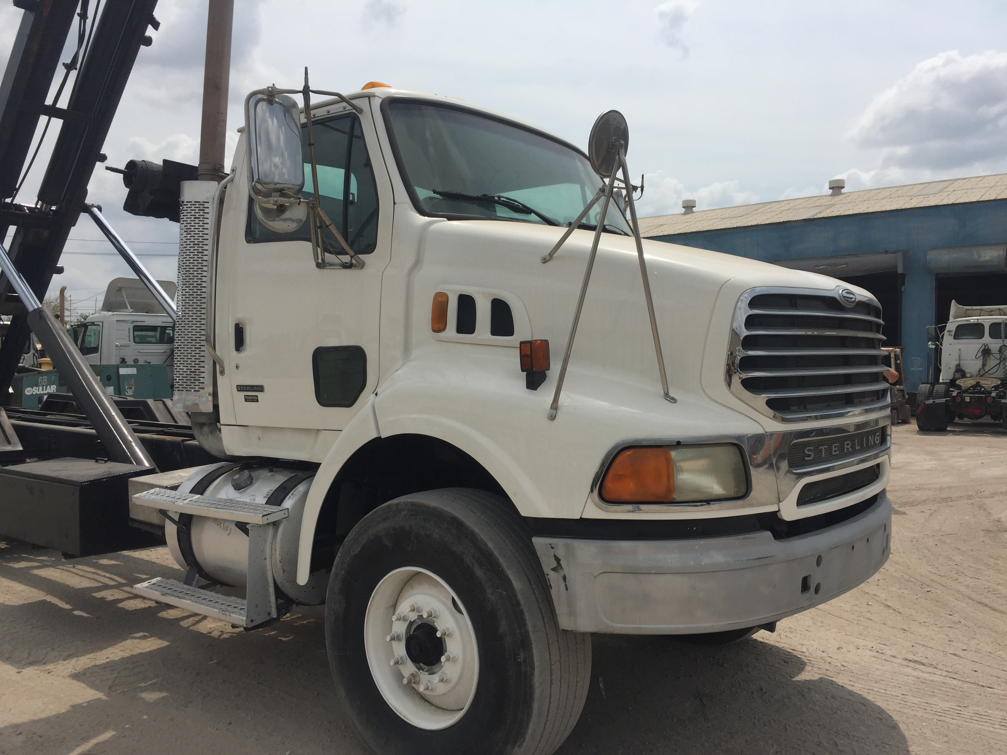 Used 2007 Sterling LT9500 Roll Off in Brookshire , TX