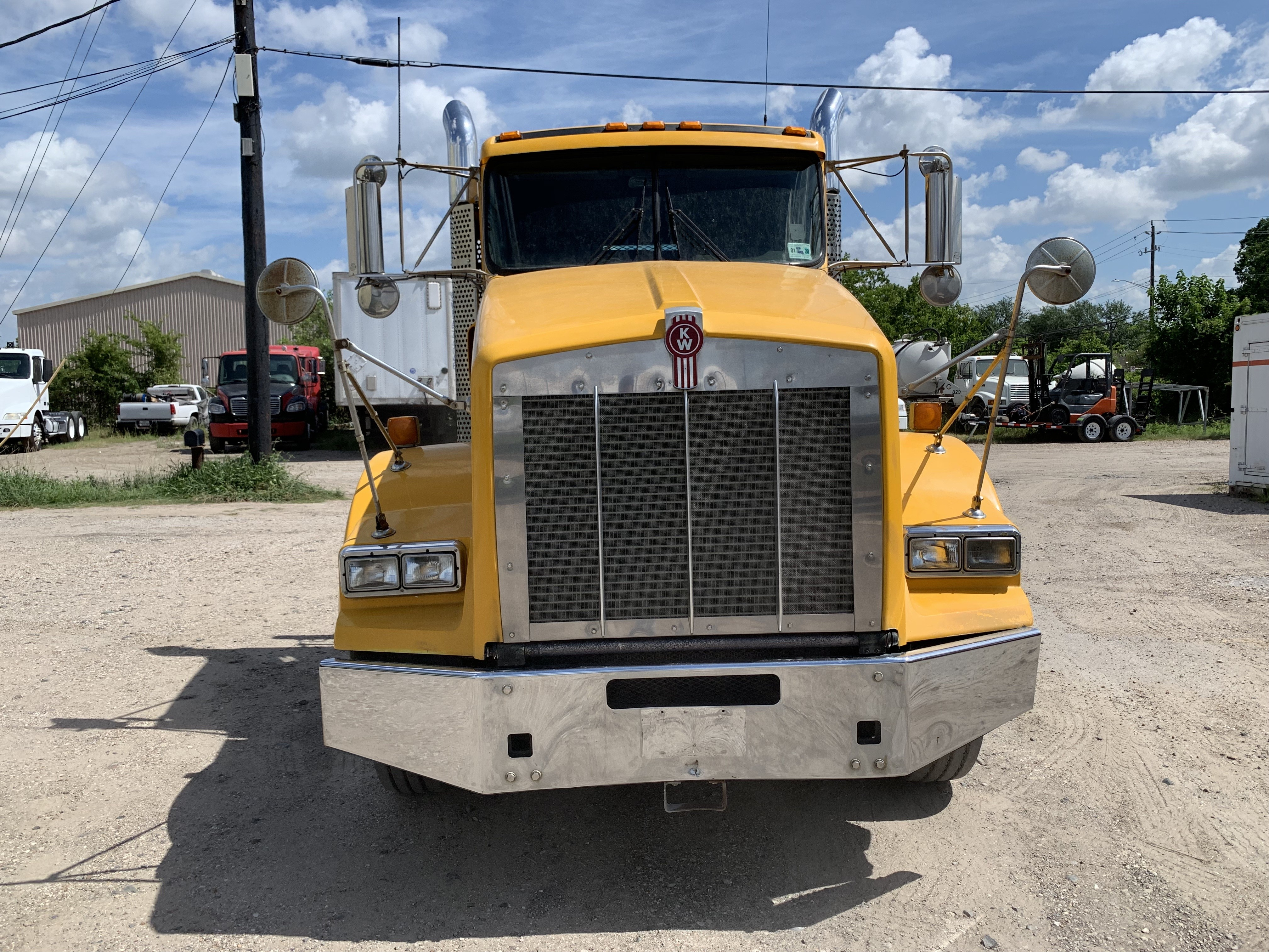 Used 2011 Kenworth T800 in Brookshire , TX