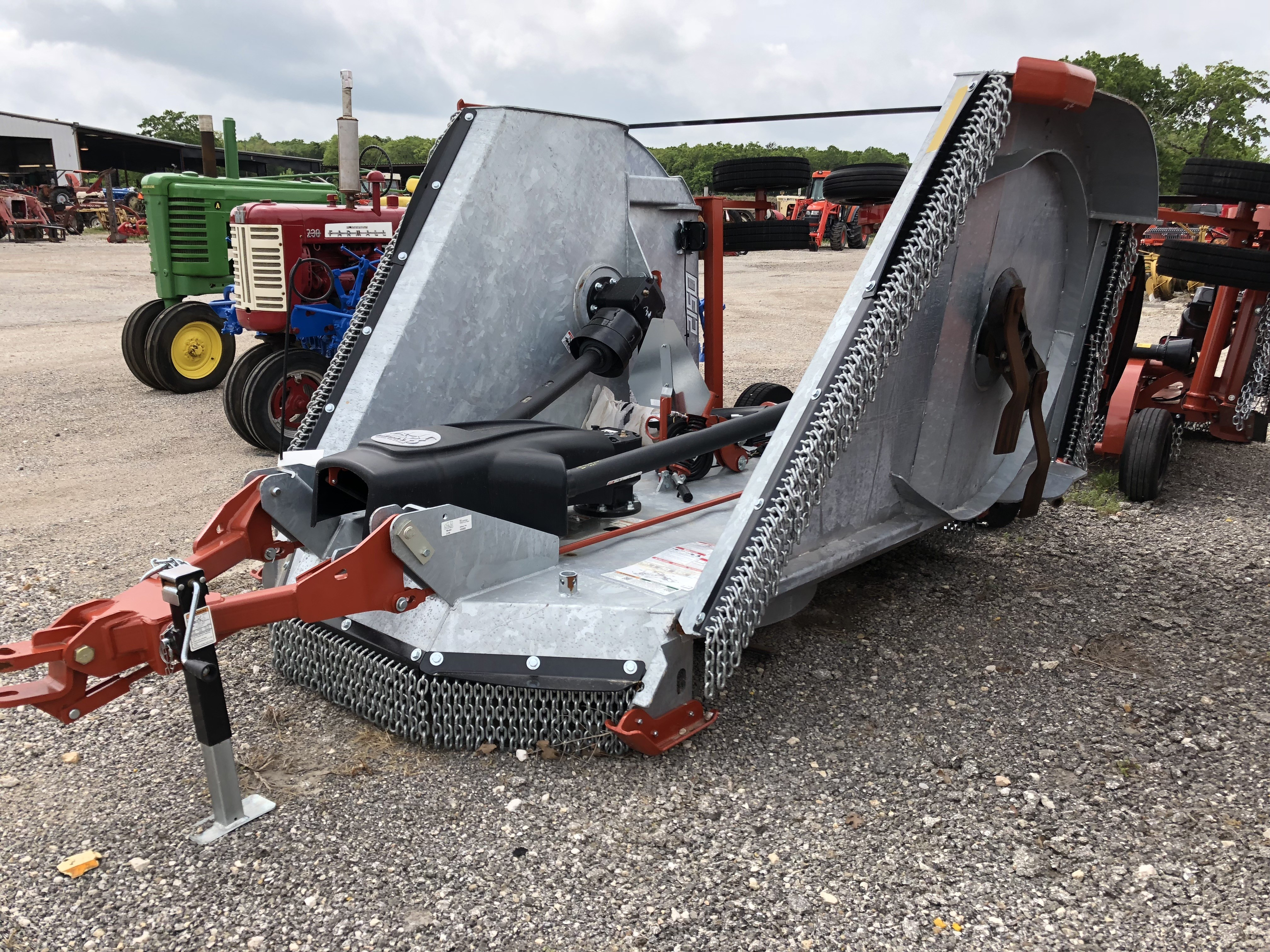 New Rhino 15ft Batwing rotary cutters / shredders in Paige, TX