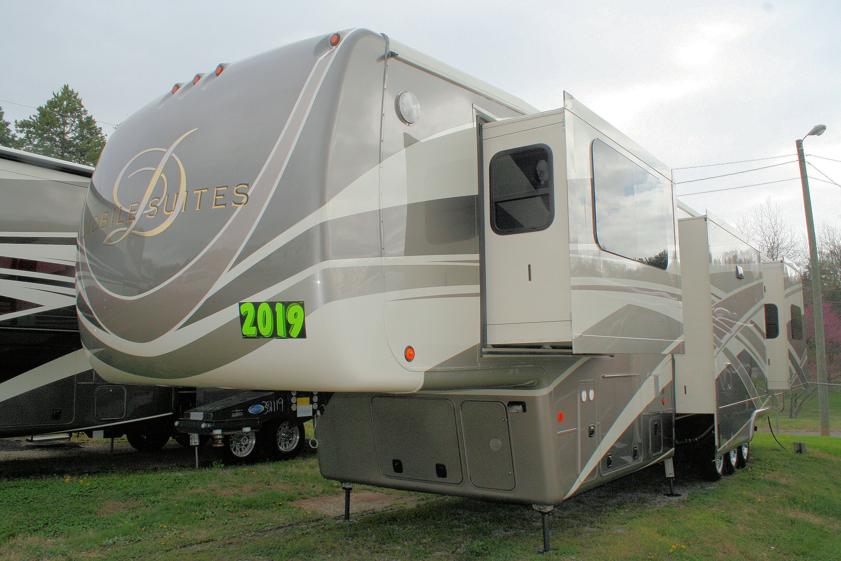 New 2019 DRV Mobile Suites