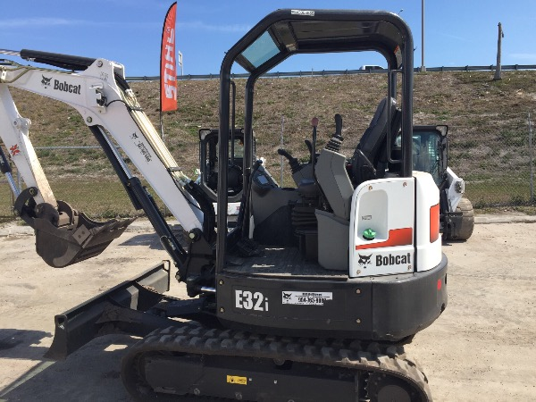 Used 2016 Bobcat E32i T4 in West Palm Beach, FL