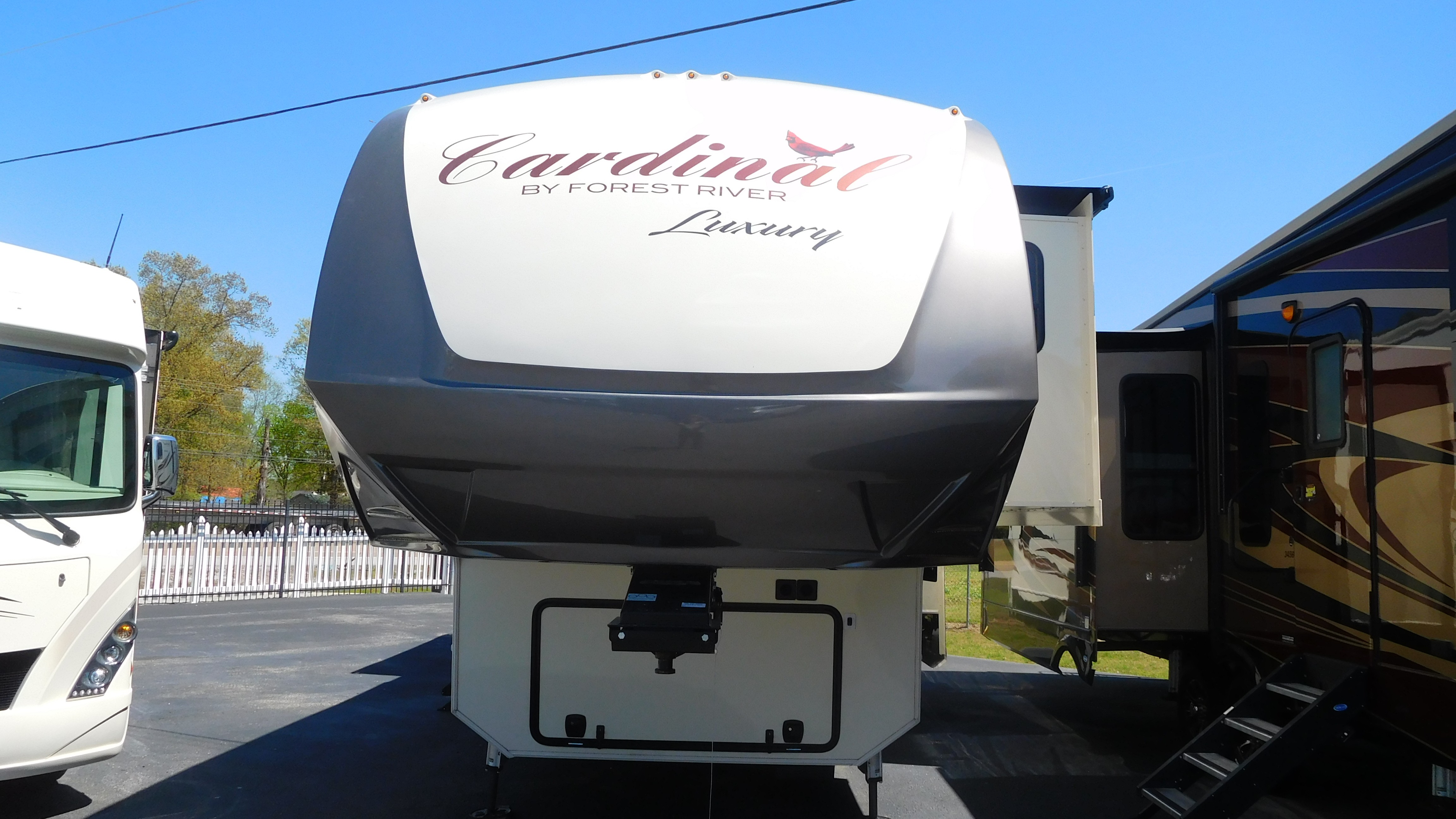 RV Dealer in Tennessee: Cougar, Keystone RV, Forest River