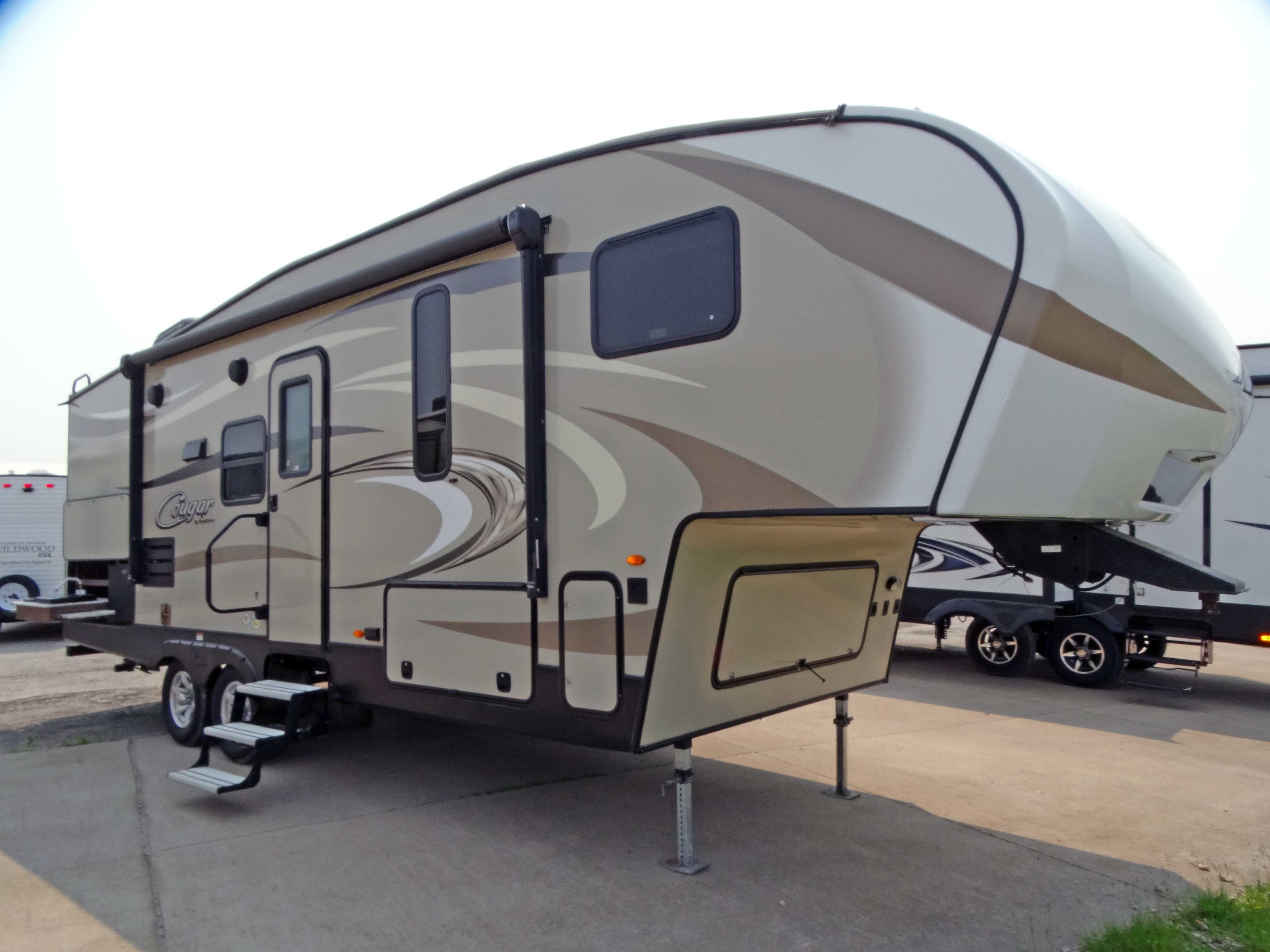 Used 2017 Keystone Cougar X Lite 25res In Eldridge Ia
