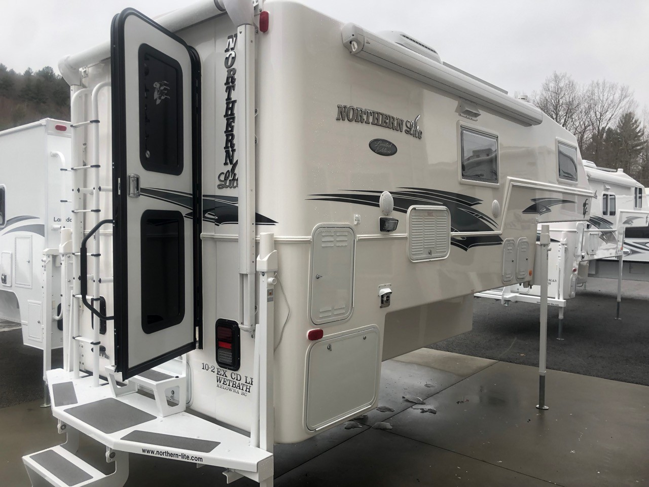 Truck Campers New Hampshire | Lance Truck Camper for Sale NH