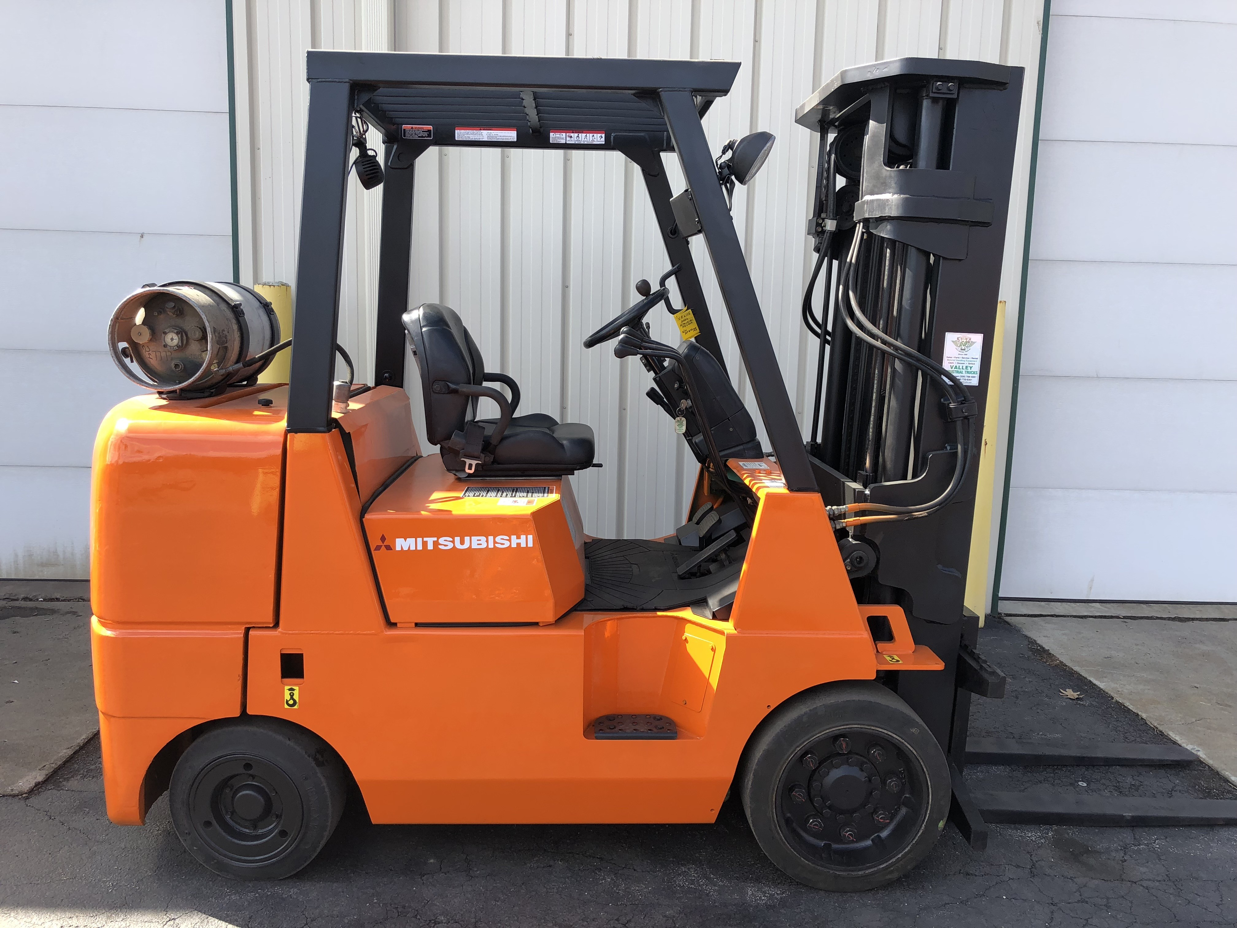 forklifts clipped mitsubishi clark spec sheets