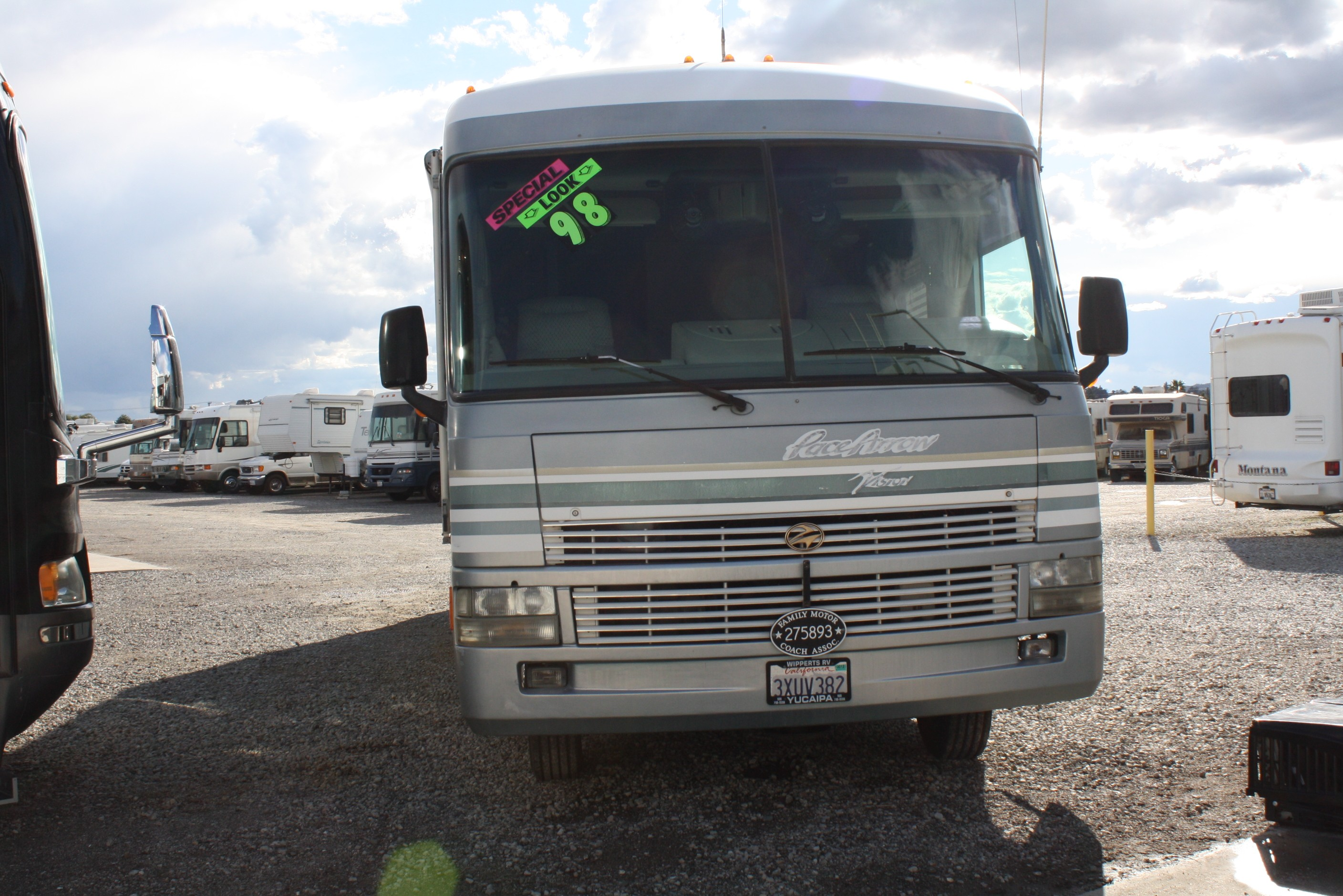 Used 1998 Fleetwood pace arrow vision 33 L in Yucaipa, CA