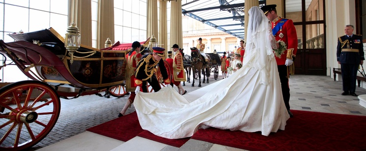 A Photo Of Prince Harry Fixing Kate Middletons Wedding Dress Exists