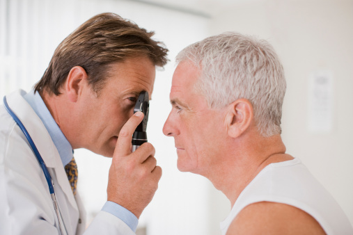 High-Dose Statins May Ease Macular Degeneration for Some