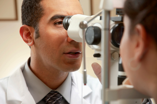 Health Tip: Poor Vision in One Eye