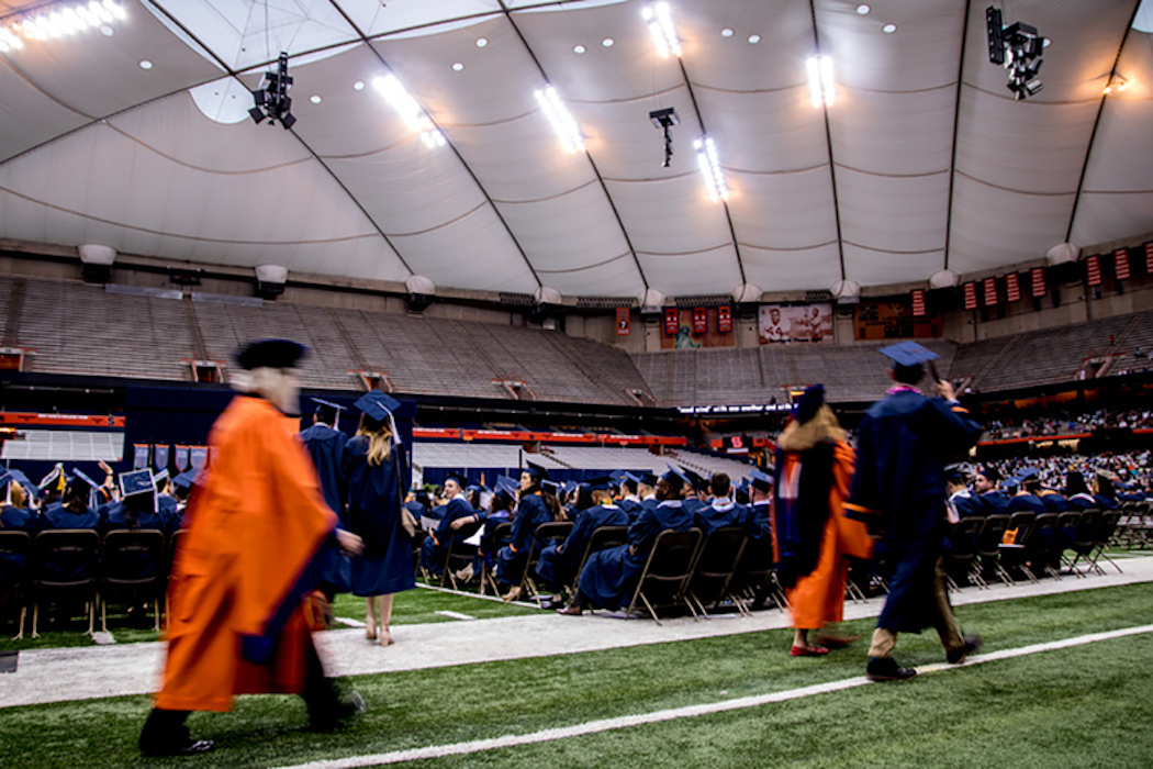 Syracuse Graduation 2020.Su S 2020 Commencement Won T Be Held In Carrier Dome The